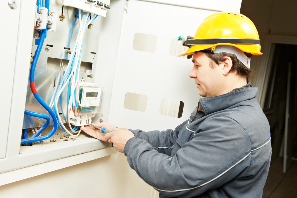 how a toronto electrician eliminates the risks of electrical wiring rh tsiopa shkola ca Comcast Technician AT&T Wiring Technician